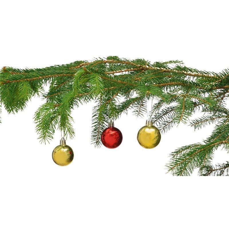 Kerstballen aan tak
